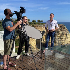 UK media spotlights Carvoeiro in report about British holidaymakers